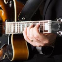 Beginner jazz guitarist learning jazz
