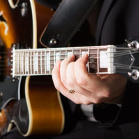 Beginner jazz guitarist learning jazz