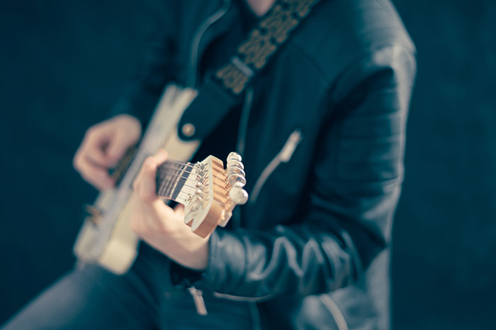 5 Ways to Stay Motivated When Practising Guitar