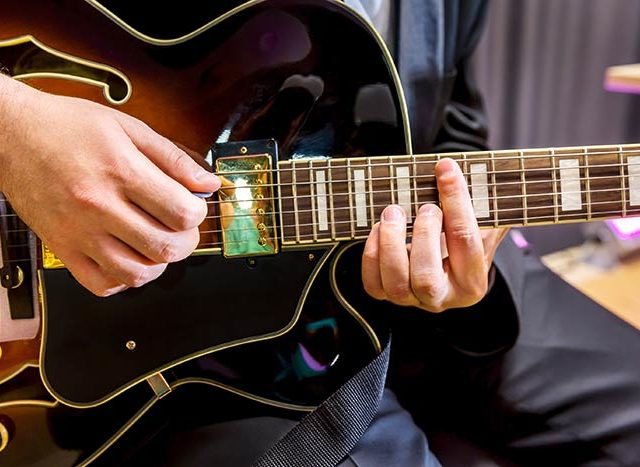 10 Steps to help improve your jazz guitar playing